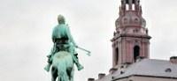 Regeringen vil skære i antallet af danske lektorer i udlandet